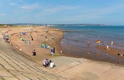 Strand in Dawlish Warren Devon England op de blauwe dag van de hemelzomer royalty-vrije stock foto
