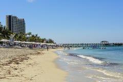 Strand in de Bahamas Stock Afbeeldingen