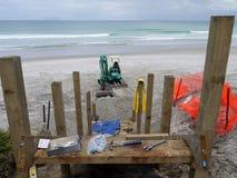 Strand: de bouw van toegangsstappen - hh Royalty-vrije Stock Foto's