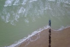 Strand an der Küste lizenzfreie stockbilder