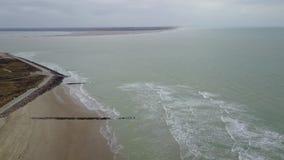 Strand an der Küste stock footage