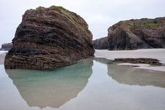 Strand der Kathedralen in Ribadeo, Lugo, Galizien lizenzfreie stockfotografie