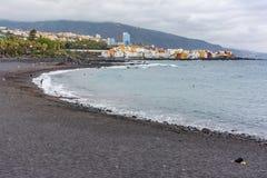 Strand des Cruz in Teneriffa in den Kanarischen Inseln Spanien stockbild