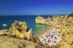 Strand des drei Brüder Praia-DOS Tres Irmaos stockfotos