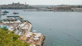 Strand dichtbij de haven, Malta, Valletta stock video