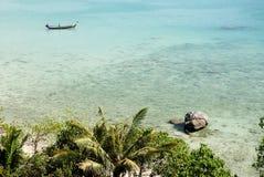 Strand dichtbij phuket in Thailand royalty-vrije stock afbeeldingen
