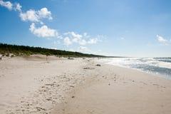 Strand durch das Meer-BaÅ-'tycim Stockfoto