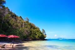 Strand in een Baai van Phang Nga Stock Foto