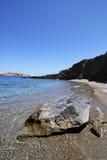 Strand in eiland Folegandros in Griekenland Stock Foto