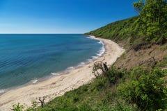 Strand en berg in de Bulgaarse kust van de Zwarte Zee Stock Fotografie