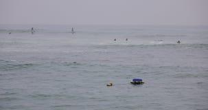 Strand en overzees in regenachtige dag royalty-vrije stock afbeelding