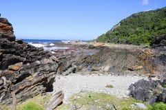 Strand entlang dem Otter-Wanderweg, Südafrika Stockfotografie