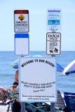Strand-Etikette und Sicherheits-Zeichen stockbild