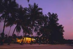 Strand för fred för solnedgång för Thailand kohkood thai Arkivfoto
