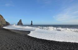 Strand för sand för svart för Vik Iceland ` s i sydliga Island royaltyfri foto