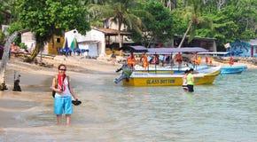 Strand in Hikkaduwa, Sri Lanka Stockfotos