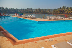 Strand-Hotel-Erholungsort-Swimmingpool Stockfoto
