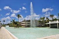 Strand-Hotel-Erholungsort-Swimmingpool Lizenzfreies Stockfoto
