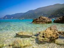 Strand i Agios Nikitas Arkivfoto