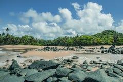 Strand i Axim Ghana västra Afirica arkivfoto