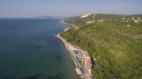 Strand i Balchik från över, Bulgarien Arkivbilder