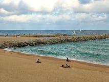 Strand i Barcelona i höst, Spanien Arkivbilder