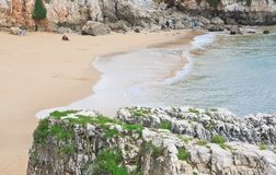 Strand i Cascais. Portugal Royaltyfri Bild