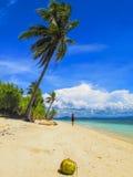 Strand i den Pamilacan ön, Filippinerna Arkivbild