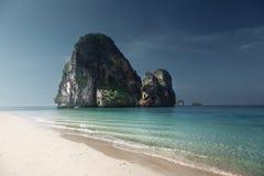 Strand i det Krabi landskapet arkivfoton