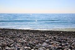 Strand i Gagraen, Abchazien Royaltyfri Foto