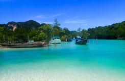 Strand i kohphiphien Thailand Arkivfoton