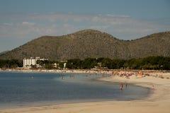 Strand i Majorca Alcudia Arkivbilder