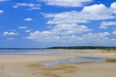 Strand i mitt--sommar arkivfoton