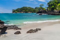 Strand i nationalparken Manuel Antonio, Costa Ri fotografering för bildbyråer
