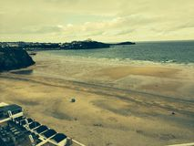 Strand i Newquay Cornwall fotografering för bildbyråer