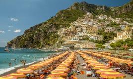 Strand i Positano, Italien Arkivfoton