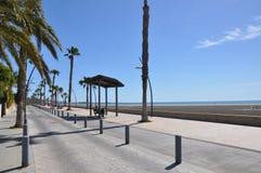 Strand i söderna av Spanien Sand, hav och himmel Royaltyfri Fotografi