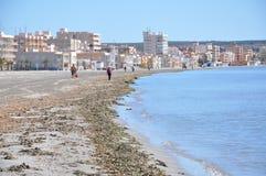 Strand i söderna av Spanien Sand, hav och himmel Utan folk Arkivfoto