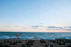 Strand im Sonnenuntergang Stockfoto