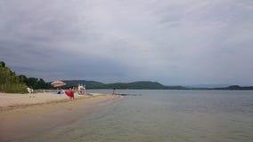 Strand im wolkigen Wetter Lizenzfreie Stockfotografie