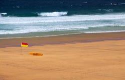 Strand-Leibwächter-Markierungsfahne Stockfotos