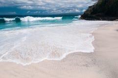 Strand med den vita sanden Fotografering för Bildbyråer