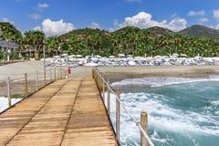 Strand, Meer und Berge Lizenzfreie Stockfotografie