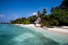 Strand met hut royalty-vrije stock afbeelding