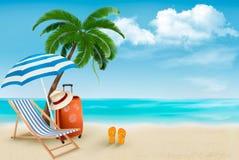 Strand met palmen en ligstoel. Stock Afbeeldingen