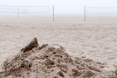 Strand in mist Stock Afbeeldingen