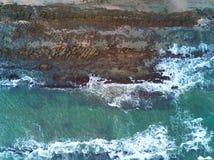 Strand mit Draufsicht der Steine Stockfotografie