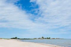 Strand nahe Blaesinge Hafen, Schweden lizenzfreies stockfoto