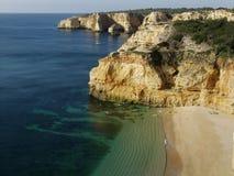 Strand nahe Carvoeiro, Algarve, Portugal Stockbild