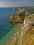 Strand nahe Carvoeiro, Algarve, Portugal Lizenzfreie Stockbilder